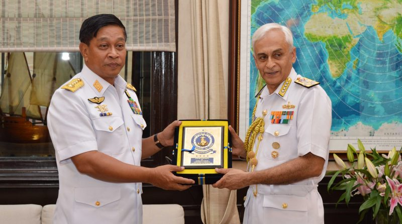 Myanmar Navy's Commander-in-Chief, Admiral Tin Aung San Visits India