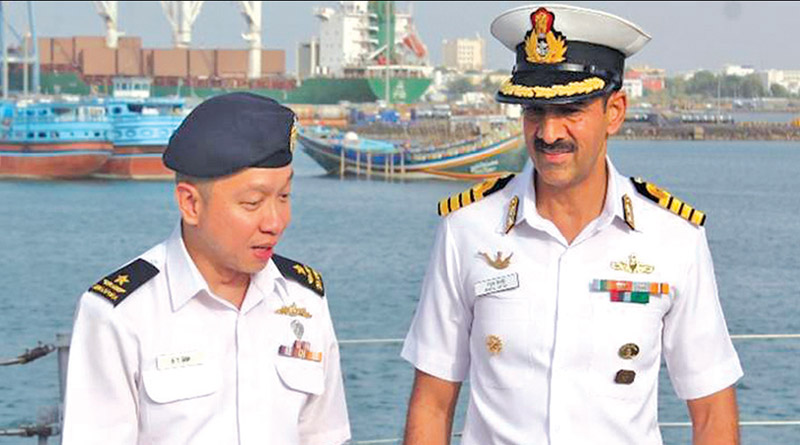 Commander Singapore Navy Visits INS Teg at Djibouti