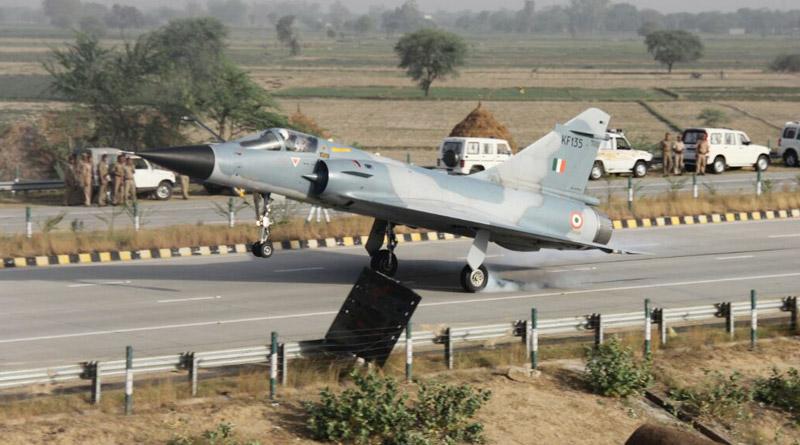 IAF Mirage 2000 touching down at Yamuna Expressway