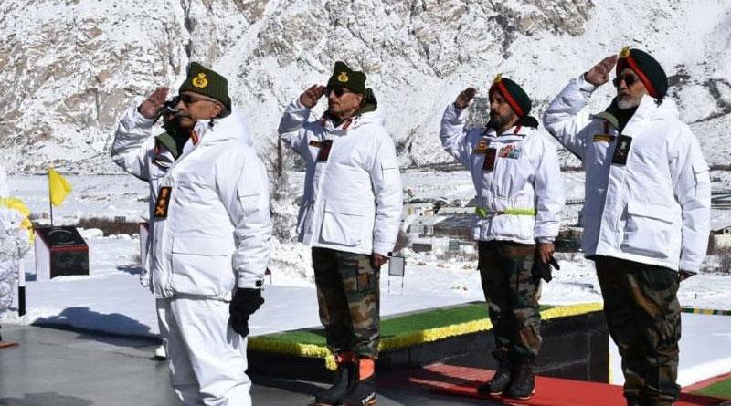 Army Chief Gen. M.M. Naravane Visits Forward Posts in Siachen