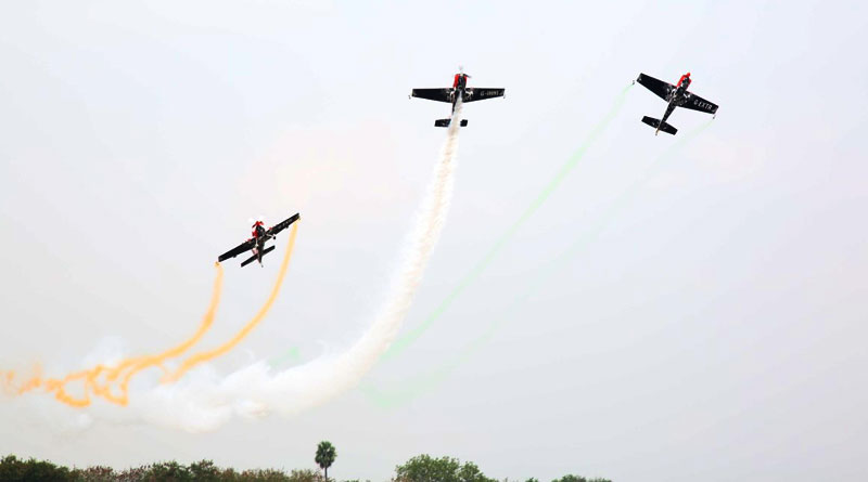 IAF's Sarang, Mark Jeffery Air Display Team Performed at Opening Day of Wings India 2020