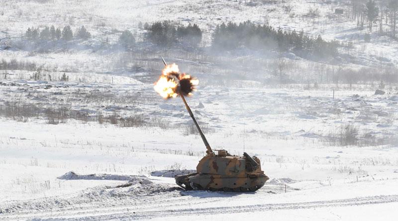 Rostec Demonstrates UralVagonZavod's 155mm Msta-S howitzer