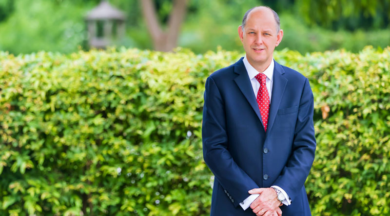 Sir Philip Barton Presents his Credentials as British High Commissioner to India