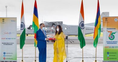 Indian Navy Hands Over PVD to the Mauritius Police