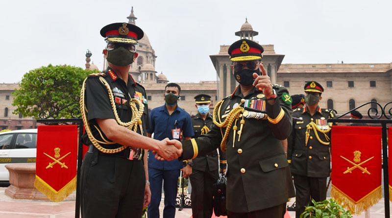 Bangladesh Army Chief Visits India