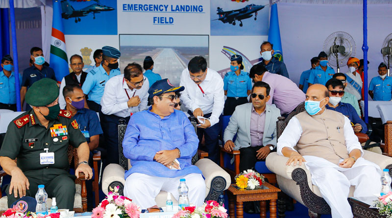 Defence Minister Rajnath Singh, Road Transport Minister Nitin Gadkari, Air Chief Marshal R.K.S Bhadauria and Chief of Defence Staff General Bipin Rawat